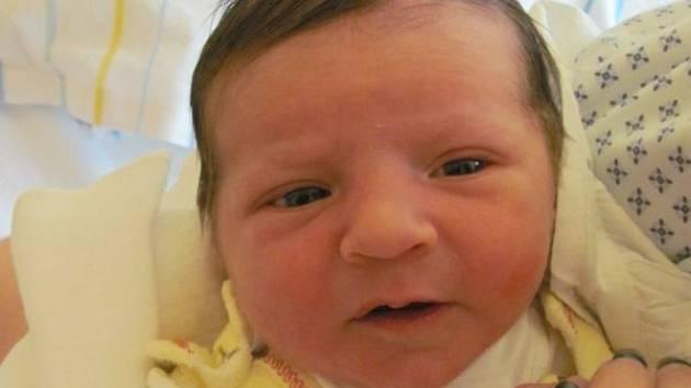 Jmenuji se LAURA MECHLOVÁ narodila jsem se 4. prosince v krnovské nemocnici, při narození jsem vážila 2850 gramů a měřila 47 centimetrů. Moje maminka se jmenuje Kateřina Mechlová a tatínek se jmenuje Jiří Mechl. Bydlíme ve Frýdlantu nad Ostravicí.
