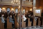 Krnovští studenti zaznamenali  vyprávění německých rodáků. Výsledky své práce představili v krnovské synagoze.