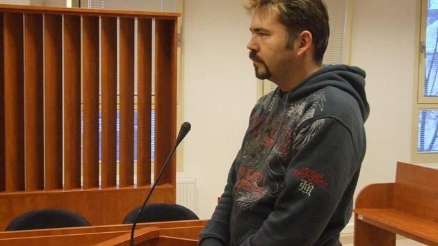 Vítězslav Škrabal před soudem.