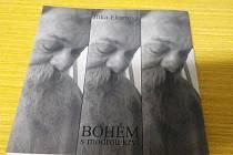 Kniha Jitky Ekartové Bohém s modrou krví vyšla v nákladu pouhých 250 kusů. Zachycuje vzpomínky autorky na pozoruhodného krnovského umělce mistra Mikuláše Rutkovského. Je možné ji zakoupit například ve fotoateliéru na Mikulášské ulici u divadla.