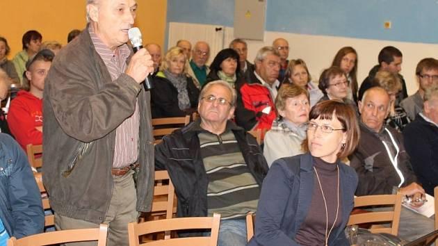 Jiří Pavelka z Nových Heřminov je jedním z iniciátorů opakované petice o souhlasu či nesouhlasu obyvatel obce s výstavbou plánované přehrady.