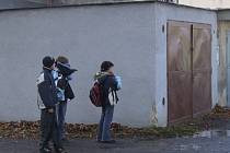 Školáci prochází místy, kde se pokoušel ukončit svůj život čtrnáctiletý chlapec.