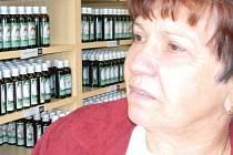 Jarmila Podhorná je prototypem bylinářky pro 21. století a českou průkopnicí gemmoterapie, což je obor pracující s léčivou silou rostlinné zárodečné tkáně pupenů.