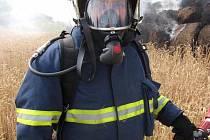 Hodně sil stálo hasiče ze tří hasičských jednotek uhašení loňského prázdninového požáru v Lichnově Dubnici, jehož původcem byl školák mladší patnácti let.