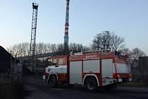 Cvičení hasičů v krnovské Dalkii.