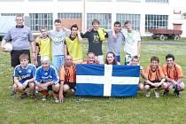 Fotbalové utkání žáků Střední školy automobilní, mechanizace a podnikání (SŠAMP) s týmem Řecké obce Krnov (ŘOK) skončilo vítězstvím žáků 4:1.