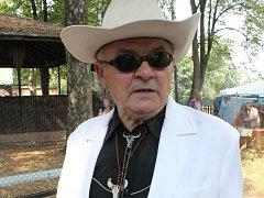 Alois Hutera, zakladatel a prezident přehlídky trampské a country písně Eldorádo Sosnová.