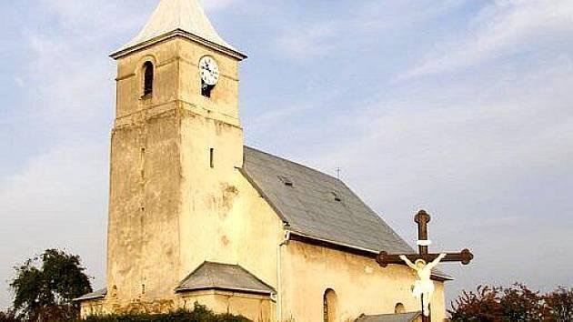 Kostel sv. archanděla Michaela v Hrozové.