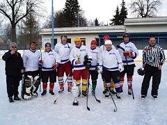 Stříbrnou příčku obsadilo na turnaji veteránů nad čtyřicet let smíšené mužstvo Krnova a Opavy.