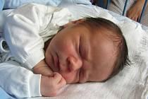 Jmenuji se TADEÁŠ RIEDL, narodil jsem se 2. dubna, při narození jsem vážil 3910 gramů a měřil 52 centimetrů. Maminka se jmenuje Renáta a tatínek František. Doma se na mě těší sestřičky Tereza a Romana. Společně bydlíme v Dolní Moravici.