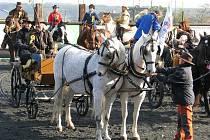 V sobotu 31. října se v Úvalně uskutečnila další Hubertova jízda. Šedesátka koní vyrazila směrem na Býkov a zpět.