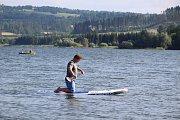 Plavba na paddleboardu je oblíbeným sportem a zábavou i na přehradě Slezská Harta. V Mezině vznikla specializovaná půjčovna paddleboardů.
