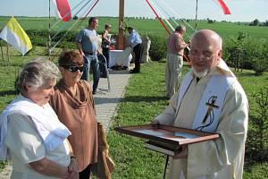 Kněz Marian Nowak hovořil polsky i česky.  Působil na Osoblažsku v letech 1995 až 2013.Zesnul 1. února 2021.