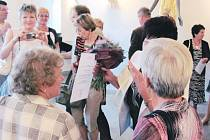 Vzdělávání seniorů v rámci Univerzity třetího věku probíhá v Krnově již od roku 2002. Slavnostní tečkou je pro všechny úspěšné absolventy studia předávání závěrečného diplomu, kterého se s hrdostí účastní celé jejich rodiny.