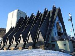 Obřadní síň ve Vrbně pod Pradědem je po letech konečně dokončena a slouží svému účelu.