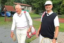 Na třicet starostů, též zástupců měst a obcí Moravy, Čech i Polska se sešlo v pátek 25. července na vrbenských tenisových dvorcích. Účastnili se úplně posledního dílu Turnaje starostů.