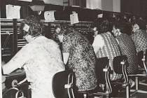 Takto se kdysi spojovaly v Bruntále telefonní hovory, prostřednictvím ústředny.
