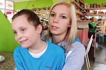 Bruno Choma je desetiletý chlapec z Krnova, který od narození trpí mentální retardací a autismem.