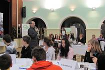 Mezi občany Krnova a zástupci města začíná nový dialog. Zástupci města uspořádali fórum Zdravého města, aby se dověděli, jaké jsou největší problémy Krnova.