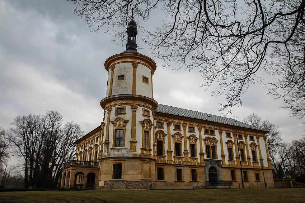Město Albrechtice, Zámek Linhartovy. Ilustrační foto.
