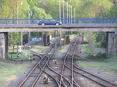 Nadjezd přes železnici mezi Krnovem a Kostelcem je už delší dobu terčem kritiky hlavně ze strany cyklistů a chodců.