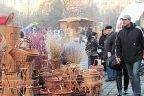 Vánoční trhy na krnovském náměstí. Ilustrační foto.