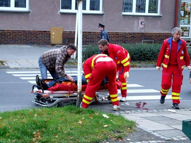 I mimo službu jsou všímaví krnovští policisté. Ve čtvrtek 9. října ráno pomohli jednašedesátiletému muži, který omdlel před bufetem na Albrechtické ulici.