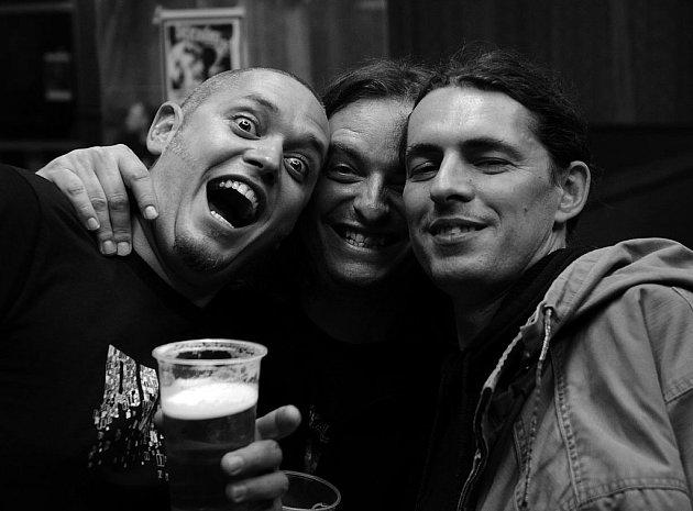 KAPELA THE PANT ve složení zleva Tomáš Vaca, Roman Kočiřík a Víťa Jelínek jsou již stálicemi na české metalové scéně.