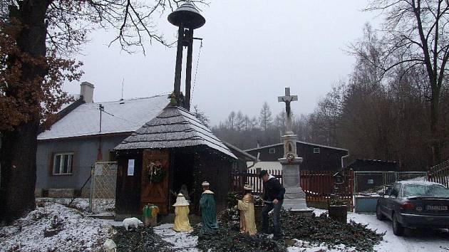Ježnický betlém se letos poprvé představil v historické zvoničce a hned se stal hitem letošních vánoc.