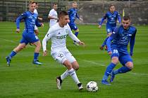 Fotbalisté Rýmařova v zápase s karvinským rezervním týmem.
