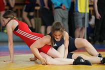 Anna Michalcová (v tmavém) sice na medaili v Polsku nedosáhla a v obrovské konkurenci skončila pátá, předvedla však výborné výkony a dostala pozvánku do reprezentace.