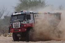 Závodní kamion Tatra startovní číslo 506 sledují v těchto dnech všichni pravověrní fanoušci Martina Kolomého ze Starého Města.