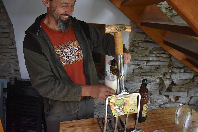 Lichnov 28. září 2021. Svatováclavské čepování v Muzeu vidlí oživilo legendu o zrodu vídeňského ležáku Vidle.