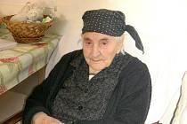 Evangelia Čarasová z Dívčího Hradu na Osoblažsku je nejstarší občankou České republiky. Právě dnes oslavuje své sto osmé narozeniny.