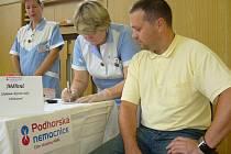 Den otevřených dveří v Podhorské nemocnici přilákal desítky zájemců, kteří si mohli například nechat změřit tlak.