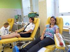 Darovat krev přišlo v Bruntále patnáct dobrovolných hasičů.