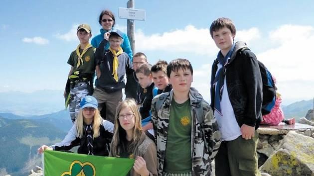 Krnovská trojka na Slovensku podnikala výpravy v Nízkých Tatrách, poznávala život v přírodě bez civilizačních vymožeností a navázala přátelství se Slovenskými kolegy.