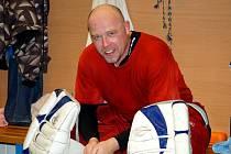 Hokejový brankář Roman Šlupina provozuje nyní restauraci. Foto: Archiv Romana Šlupiny