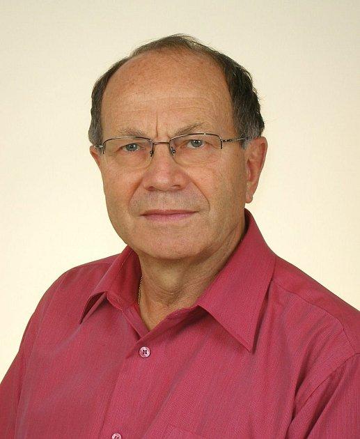 Prof. MUDr. Anton Pelikán, DrSc. je kdispozici pacientům vbruntálské nemocnici.