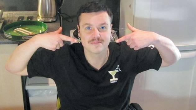 Martin Syslo z Krnova si zapojení do akce Movember pochvaluje. Posměšky na svůj knír odbývá s tím, že pro dobrou věc se vyplatí trpět.