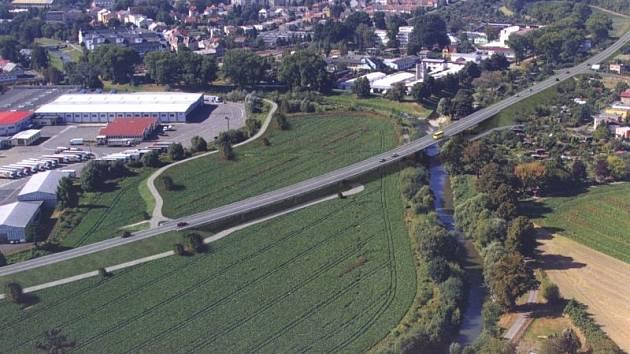 Protipovodňová ochrana na horním toku řeky Opavy zahrnuje kromě heřminovské přehrady na padesát dalších staveb. V těchto místech pod Krnovem je nutné koordinovat protipovodňové stavby s plánovaným obchvatem.