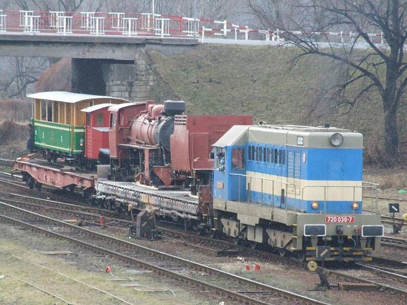 Parní lokomotiva dorazila do Krnova.