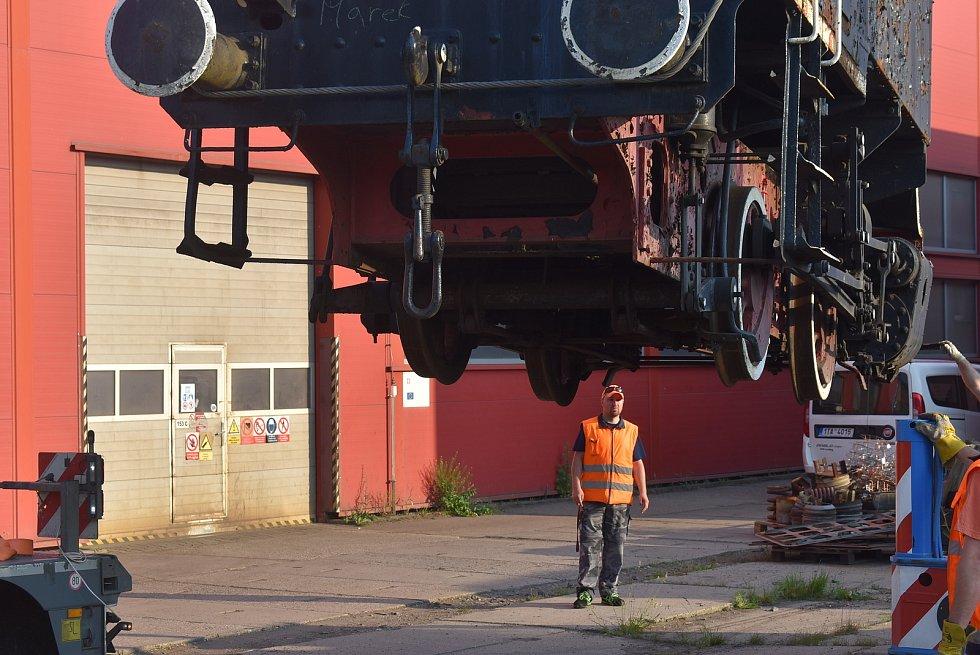 Parní lokomotiva byla předána odborníkům z Krnovských opraven a strojíren, aby odhadli náklady na její rekonstrukci do vystavovatelného stavu.
