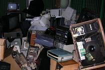 Na starých televizorech už nebylo co recyklovat.