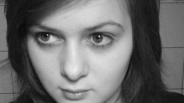 """Erika Jelínková, 15 let, Bruntál, studentka: """"Slovem šalina se nazývá tramvaj. Možná někteří lidé takto nazývají i jiné dopravní prostředky."""""""