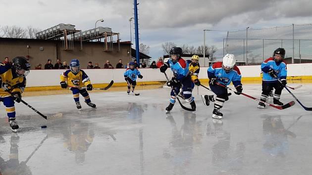 Hokejový turnaj v Bruntále kořistí Horního Benešova.