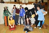 Červiven nastudoval dramatizaci románu Evy Ibbotsonové Tajemství zapomenutého nástupiště. Autorkou scénáře i režisérkou je principálka souboru Petra Severinová. Diváci se mohou těšit mimo jiné například na kombinaci živých herců s marionetami.
