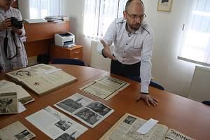 Archivář a historik Branislav Dorko napsal knihu, která mapuje působení nacistické strany NSDAP v Krnově.