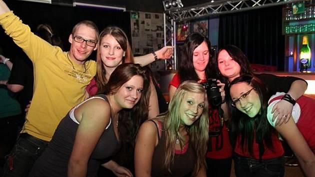 Kofola music club opět ožil mladými tanečníky. Prvního března se tam uskutečnila After párty hudebního festivalu pedagogických škol.