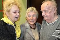 Fraňo Petrák se sešel při oslavách dvacátého výročí bruntálského Domova Pohoda s bývalými zaměstnankyněmi Věrou Tomešovou-Podkujkovou a Alenou Suchánkovou.